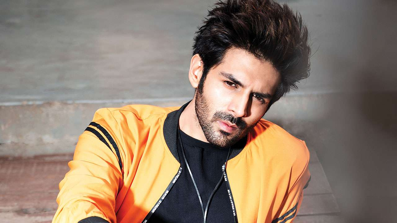 Kartik Aaryan Biography - Age, Height, Girlfriend, Family, Movies, Pic &  More - BuzzzFly