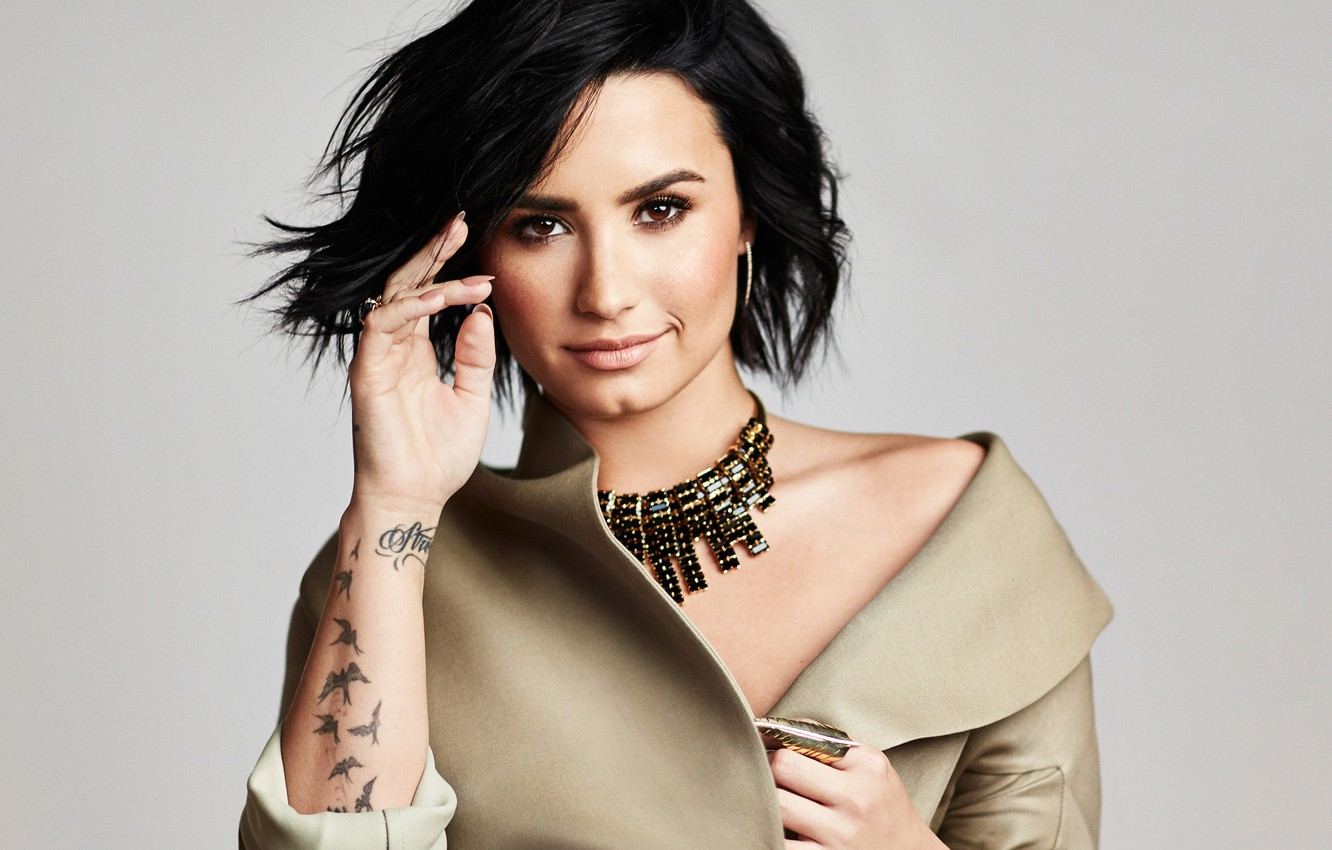 Demi Lovato Biography – Age, Height, Wiki, Net Worth & More